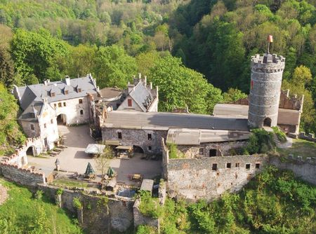Horní hrad u Ostrova nad Ohří